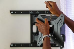 התקנת טלוויזיות מקצועית ובטיחותית לבית
